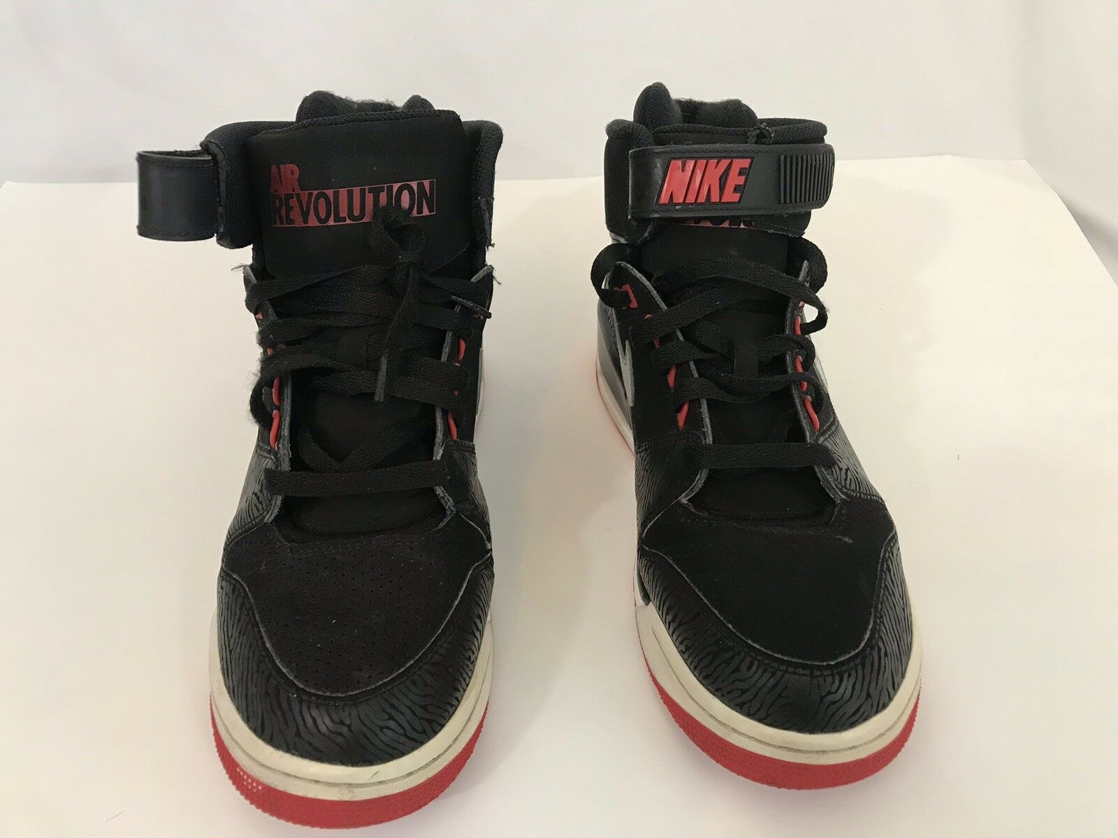Nike Air Revolution Size 8.5 Black Red599462-001