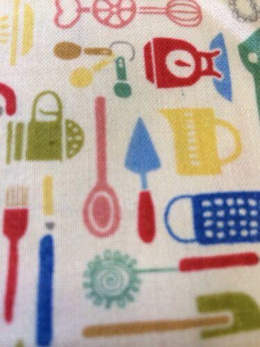 Medio Metro 1216 Retro Diseño De Tela De Algodón De Pastelería Utensilios-UK Makeover de acolchar