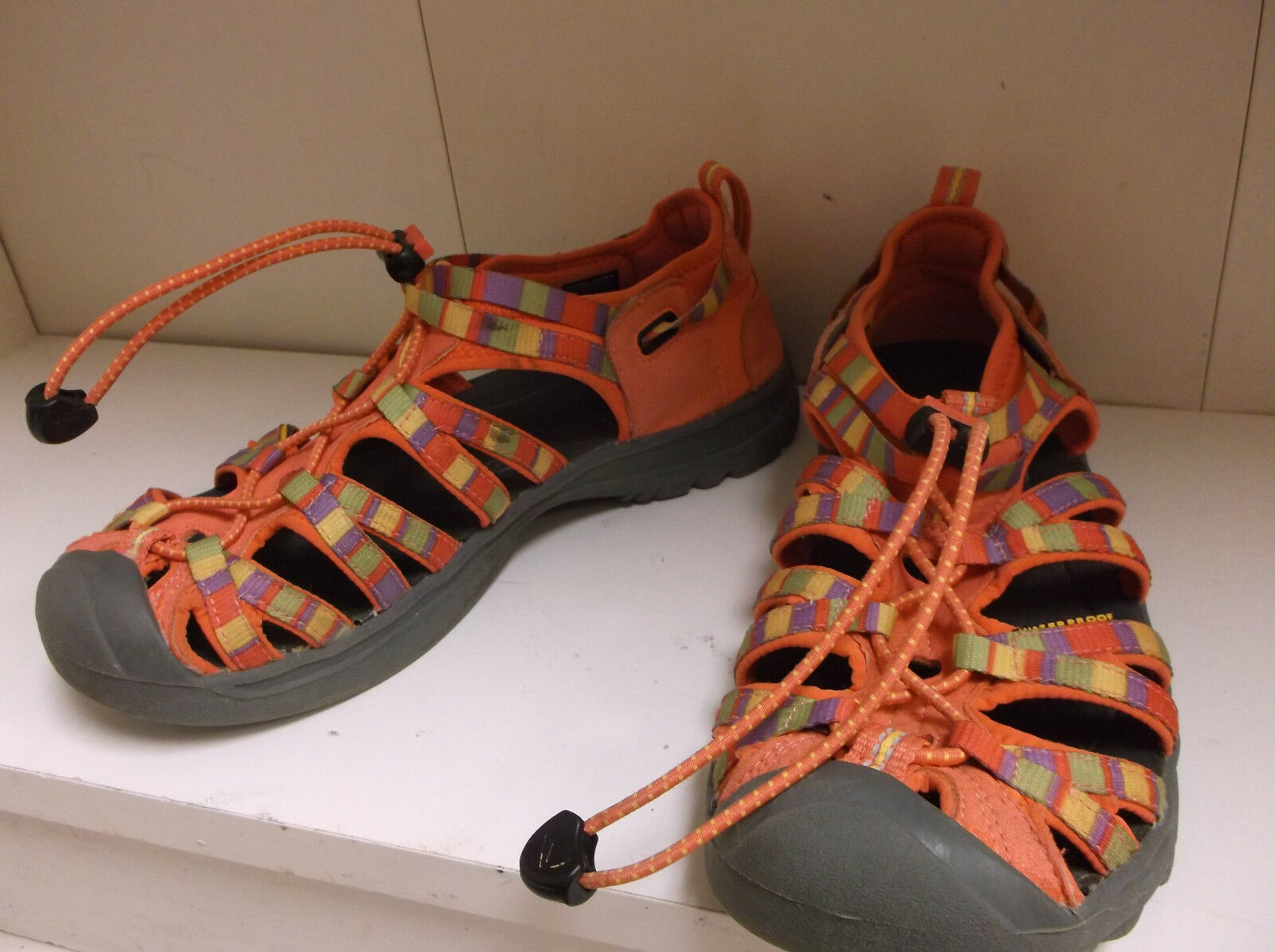 Keen Women's Whisper Sport Sandal3 orange Multicolor sz  5