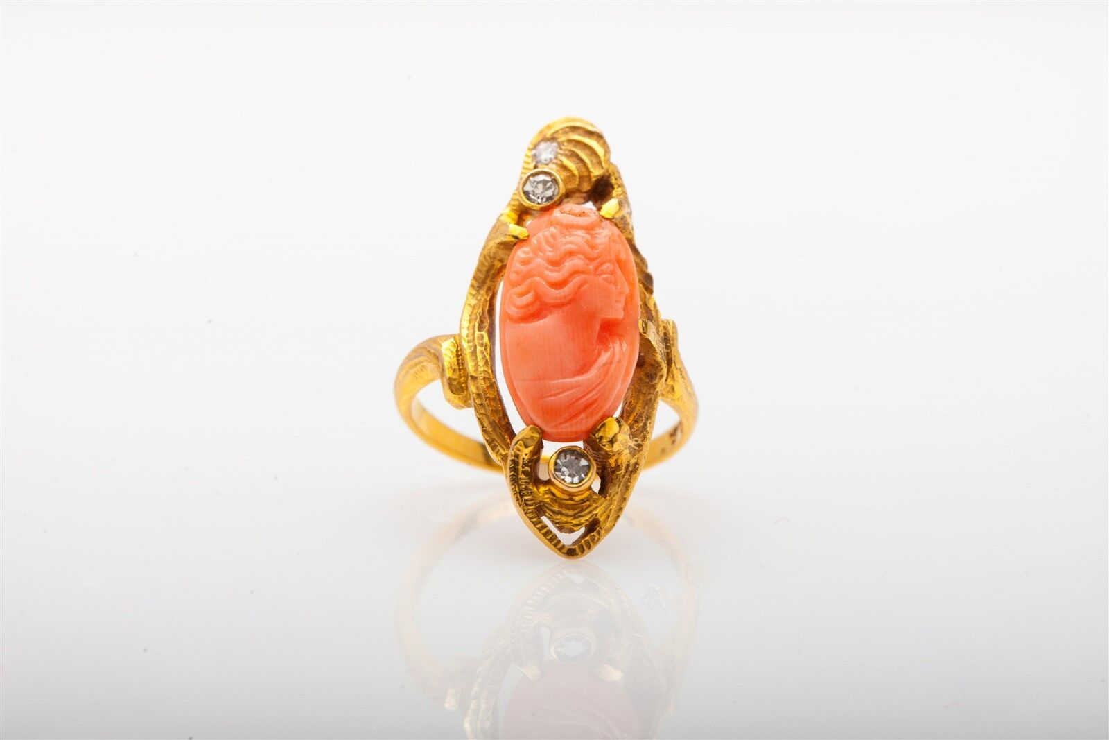 Antique Victorian Art Nouveau CORAL CAMEO .25ct Diamond 18K Yellow gold Ring
