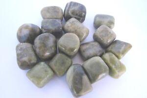 ONE-Vesuvianite-Tumbled-Stone-30mm-QTY1-Healing-Crystal-Unites-Heart-Will