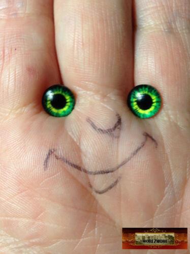 M01546x5 MOREZMORE 5 Pairs Glass Eyes Iris 8mm SHAMROCK GREEN Flat Back Puppet