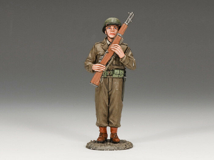 KING AND COUNTRY DD159 - US SOLDIER PORT ARMS - WWII D-DAY 1 30 SCALE