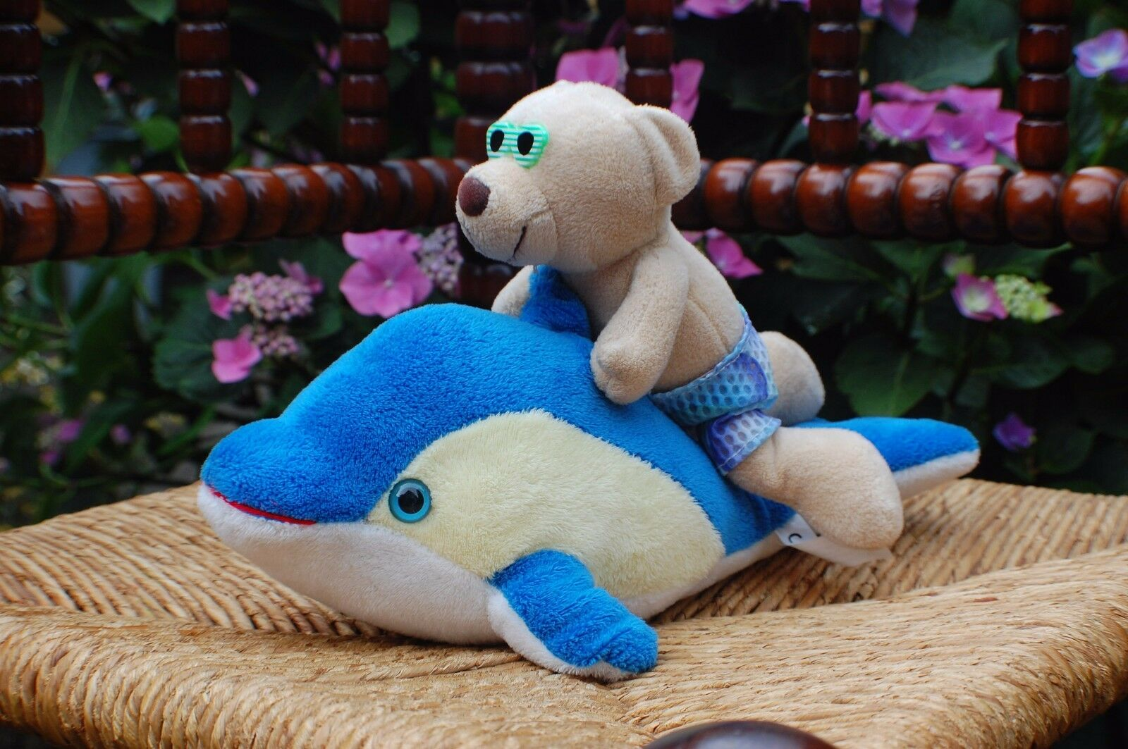Trend Toys Apeldoorn Netherlands Netherlands Netherlands Plush Bear Riding a Dolphin 11 inch 3dce57