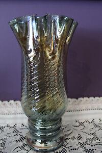 ART-BLOWN-GLASS-IRIDESCENT-GREEN-SWIRL-11-1-2-034-VASE-WITH-RUFFLED-EDGE