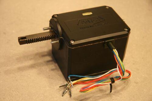 Actuador lineal con embrague y posición Potenciómetro-Arduino Servo proyecto