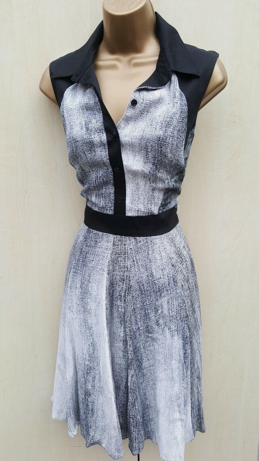 Größe 12 UK Karen Millen schwarz Weiß Denim Print 50's Shirt Style Fit Flare Dress