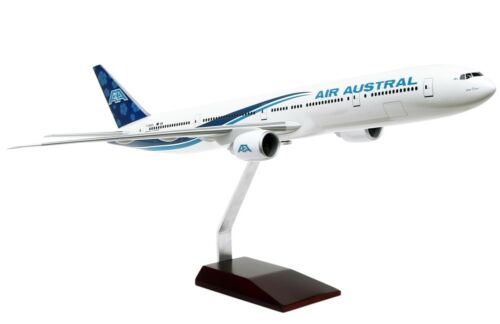 Air Austral Boeing 777300ER Old Hue FONOU Desk Display 1100 Model AV Airplane