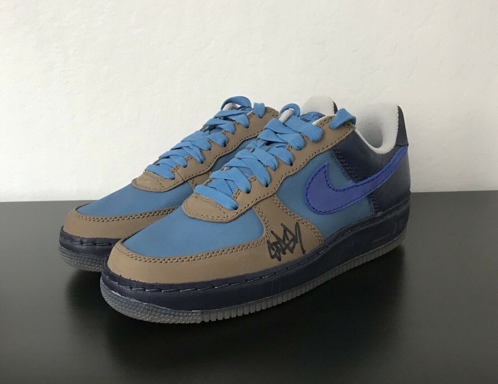 Nike Air Force 1 Stash Size 9 Signed