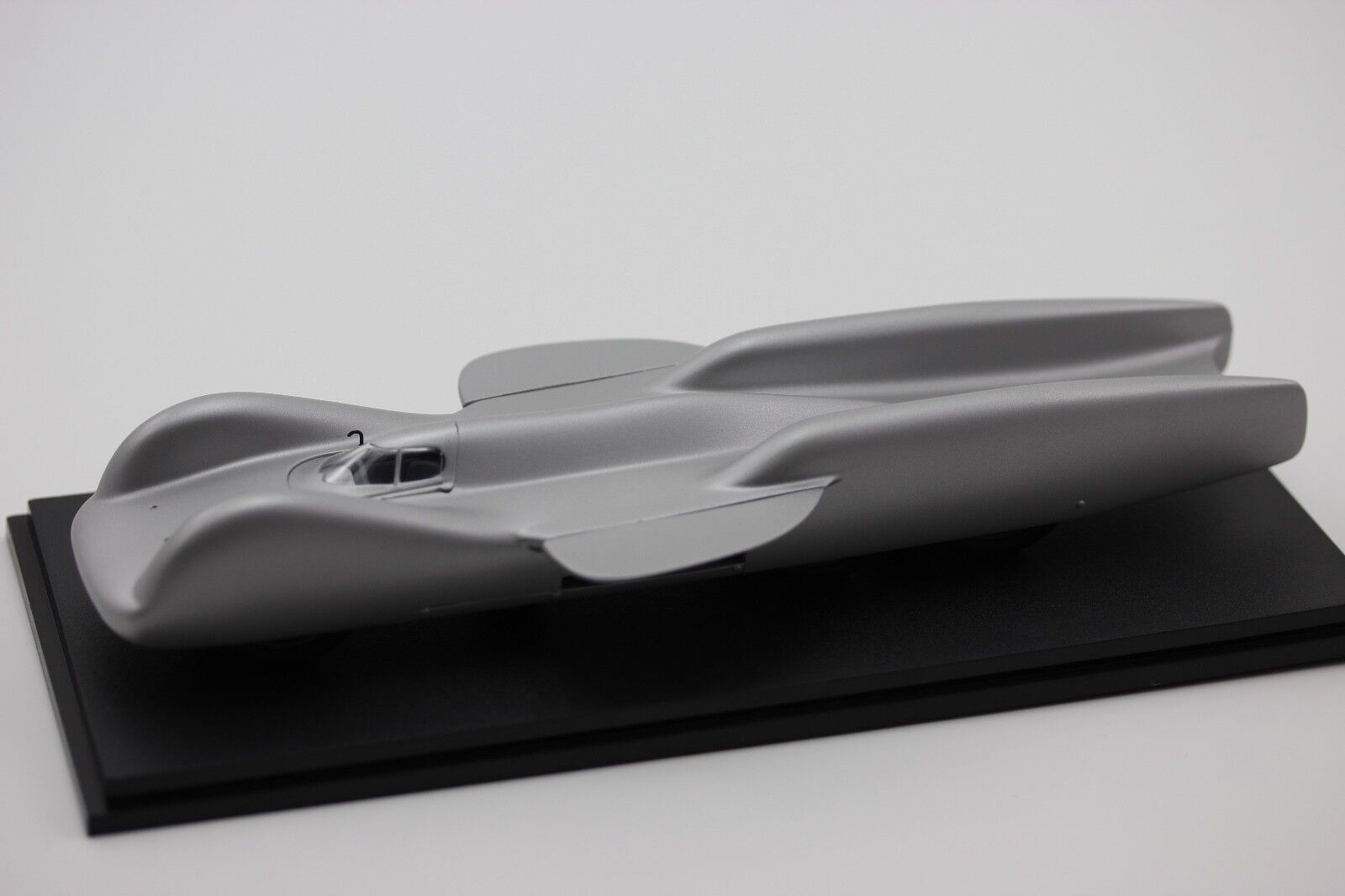 Mercedes-Benz T 80 Record Voiture 1939 argent 1 43 Resin 1 43 Neo 46975