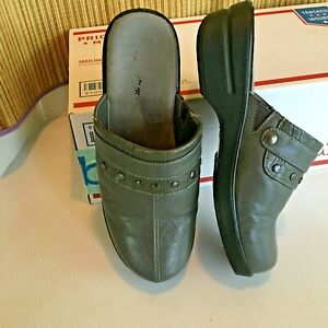 Easy-Street-size-7-WW-Gray-Mules-Comfortable-Slip-On-Clogs