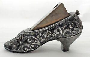 Antico-Tagliasigari-una-forma-Scarpa-Zinco-Stile-liberty-circa-1900