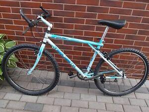 GT-Tequesta-MTB-bike-18-034-Cr-Mo-Tange-Dia-Compe-Suntour-Shimano-group-Ambrosio