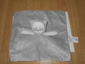 DOUDOU-plat-carre-chat-ours-OBAIBI-gris-blanc-raye