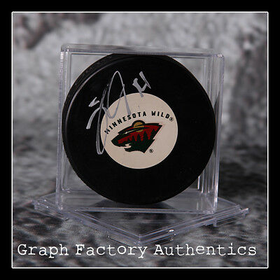 Signed Nhl Wild Logo Puck J1 Coa Rapid Heat Dissipation Gfa Minnesota Wild Justine Fontaine