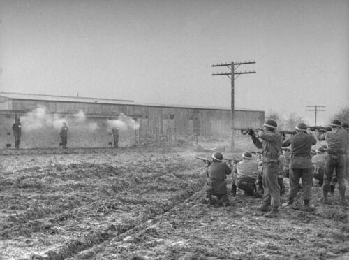 WW2  Photo WWII US Military Police Firing Squad Germany MP  World War Two 1585