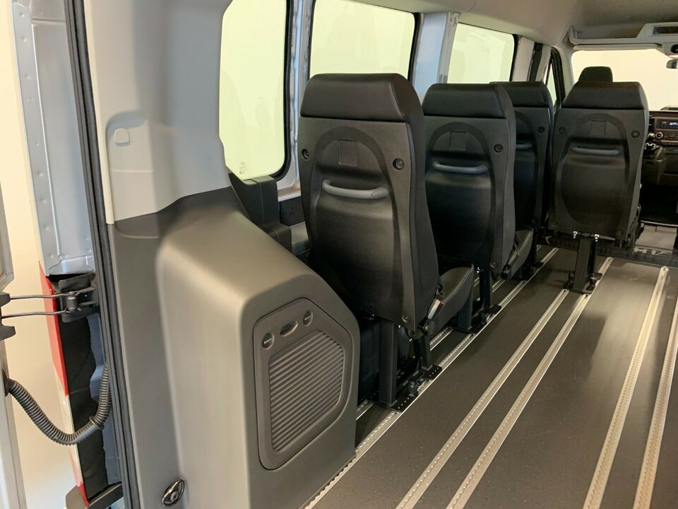 Ford Transit 350 L3 Kombi 2,0 TDCi 130 Ambiente H2 FWD d,