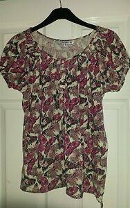 Store-21-pink-white-black-butterfly-print-short-sleeve-top-size-10-large-12