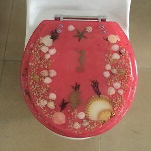 Elongated Seahorse Seashells Acrylic Oval Shaped Toilet Seat Rose 19