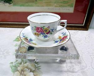 VALE-ENGLAND-FLORAL-amp-GOLD-2-1-2-034-CUP-AND-SAUCER-SET