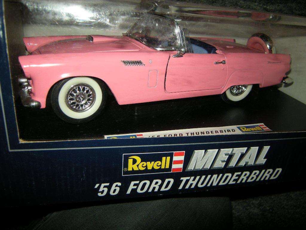 1 18 Revell Ford Thunderbird 1956 Rosa OVP  | Neues Design