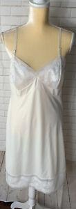 VTG Vanity Fair White Floral Lace Ivory Chiffon Cup  Nylon Full Slip 38