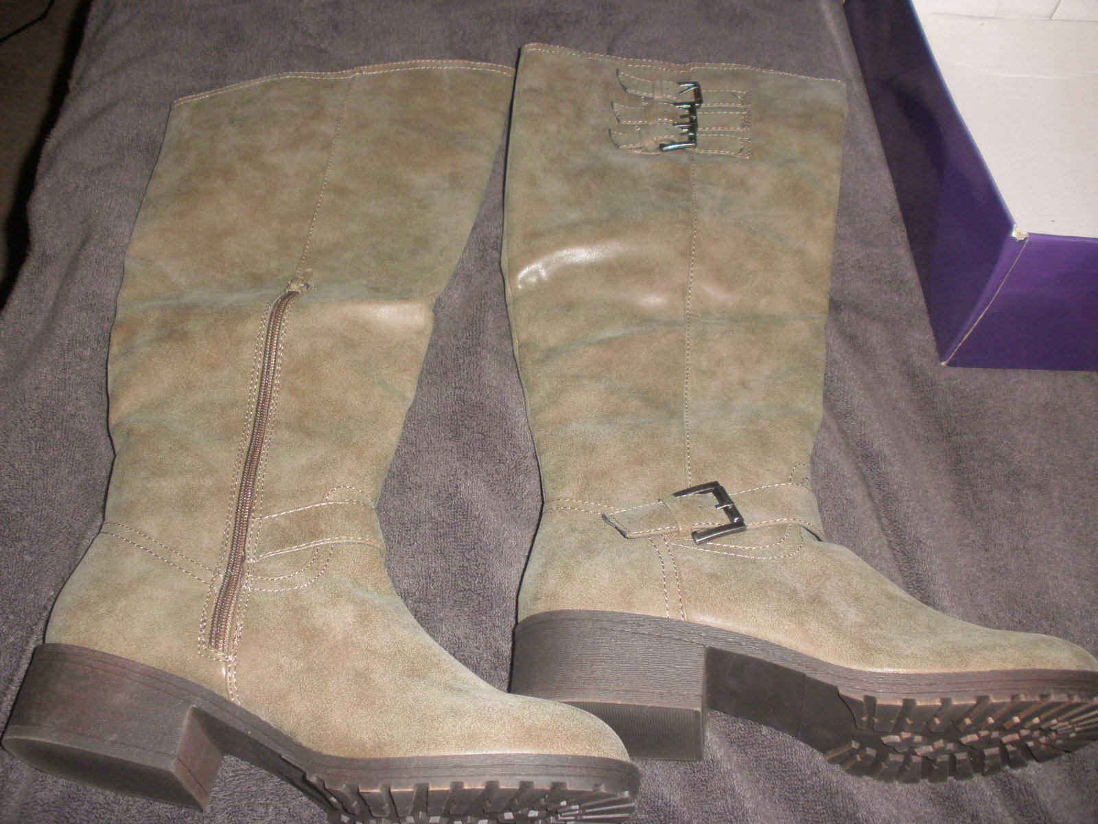 Womens size 9.5 Madden Boots