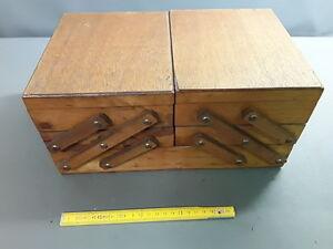 Ancienne Boîte à couture en bois