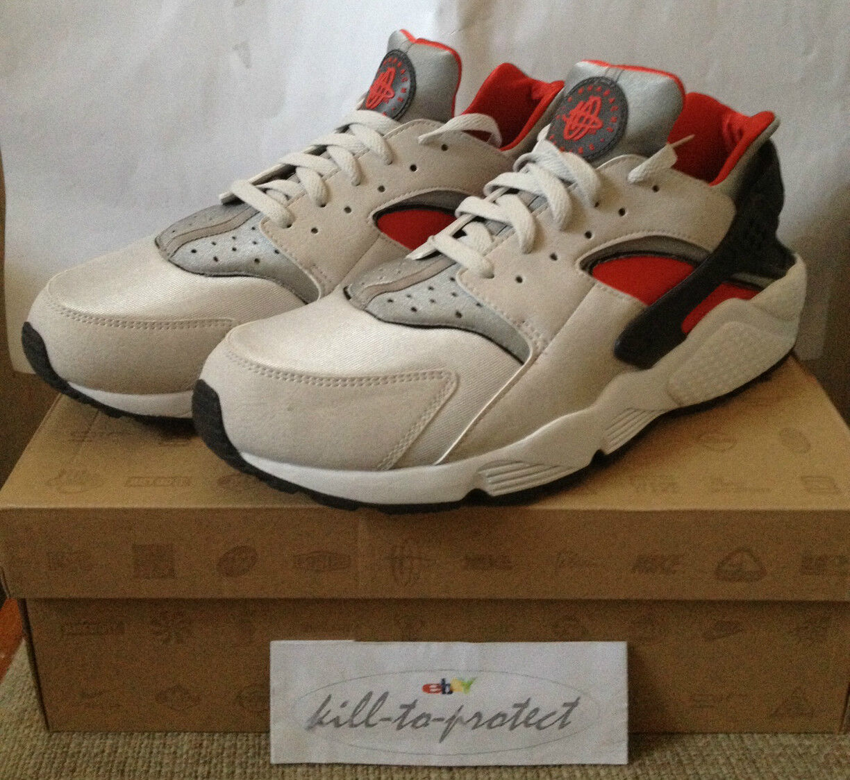 NIKE AIR HUARACHE LE US GREY RED Silver 318429-002 QS 2018