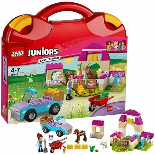 LEGO 10746 Mia/'s Farm Suitcase Building Set