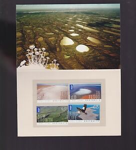 2011-Australia-Lake-Eyre-set-International-Stamps-Dry-Growth-Bird-Flood-folder