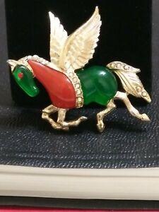 Vintage-Unsigned-Hattie-Carnegie-Rhinestone-Lucite-PEGASUS-horse-Pin-Brooch