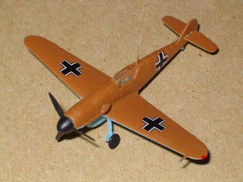 """Germany Messerschmitt Bf-109F /""""Desert/"""" #4 Bandai 1//144 WW2 Fighter"""