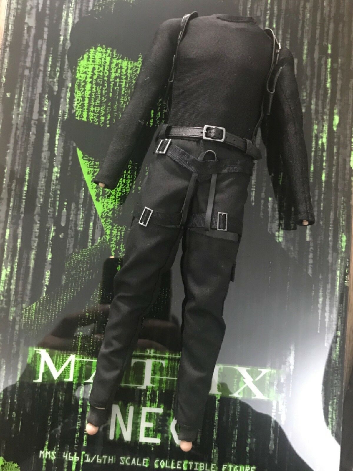Hot toys The Matrix MMS466 NEO - 1 6th scale nude body & shirt pant & belt set