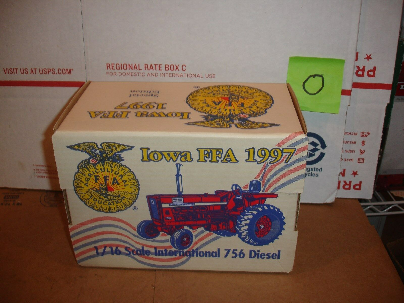 1/16 International 756 Iowa FFA Tractor De Juguete
