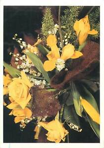Greetings-flowers-yellow-bouquet-Postcard