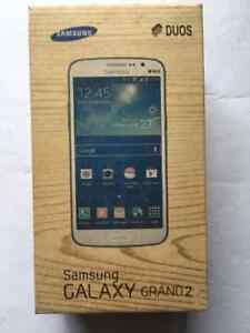 Samsung-Galaxy-Grand-2-7102-Double-SIM-Deverrouiller-Smartphone-Full-Kit