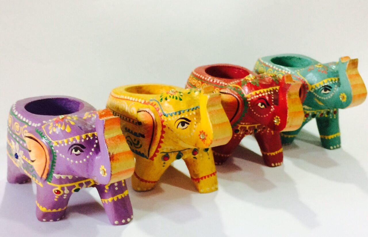 Figura de madera hecha a mano Portavelas con forma de elefante