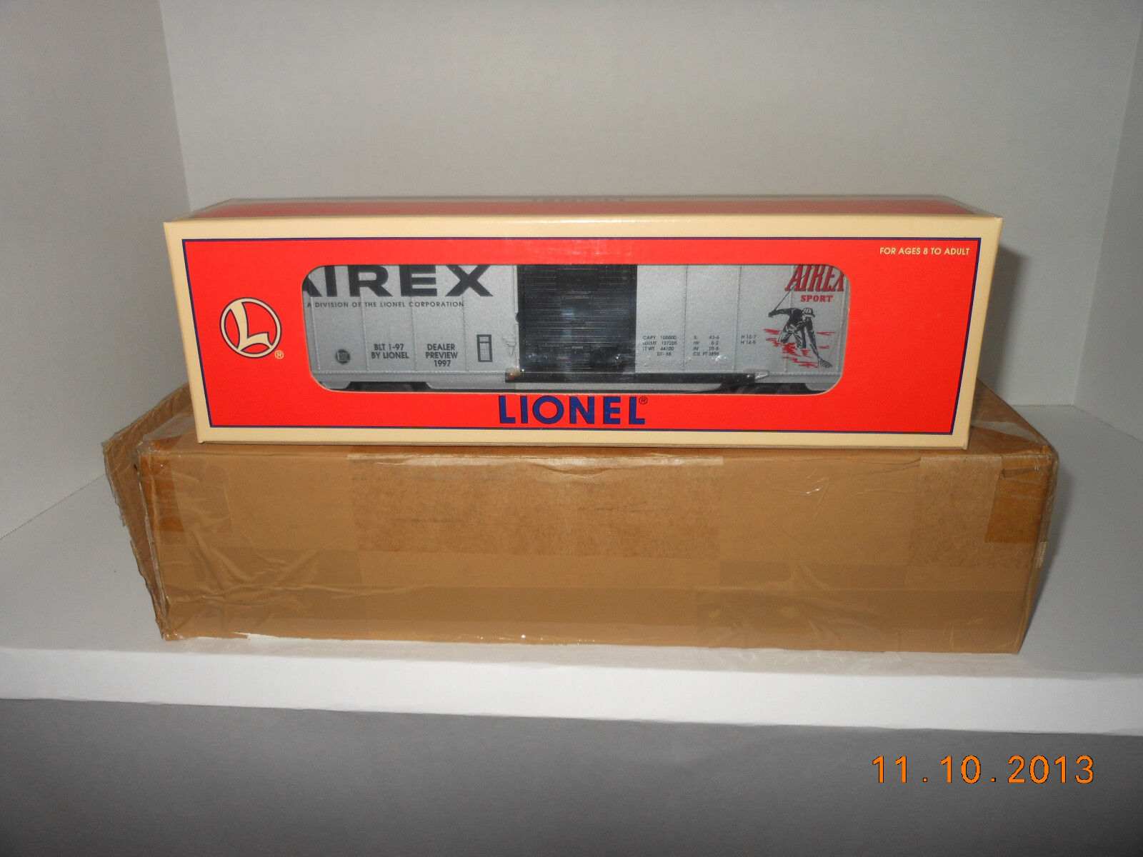LIONEL  29217 1997 toy fair  boxcar
