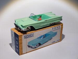 Ford-Thunderbird-vert-au-1-43-de-norev-conception-comme-dinky-toys-solido-cij