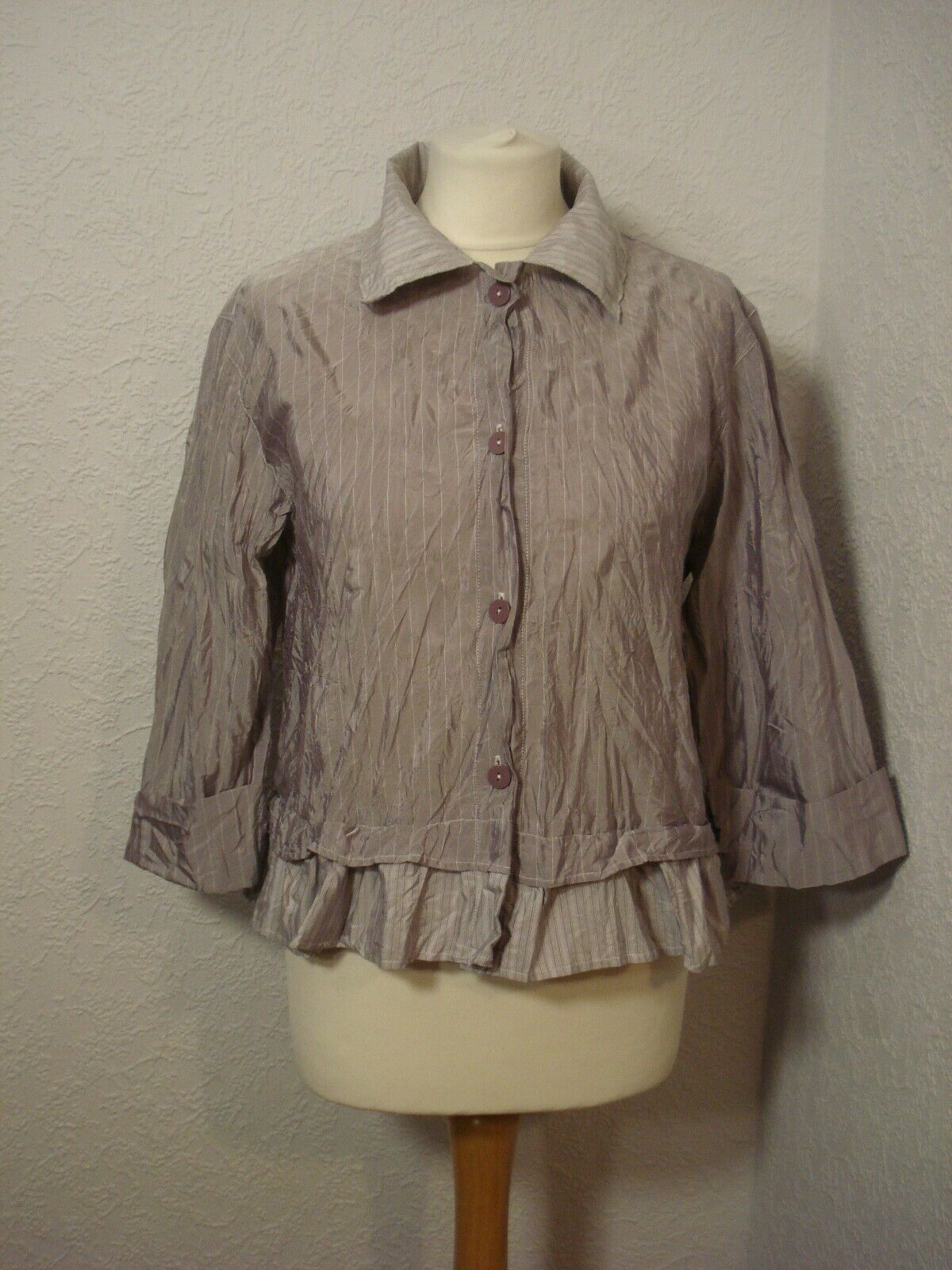 BNWOT Lauren Vidal mauve purplec purple striped ruffle hem top S (12-14)
