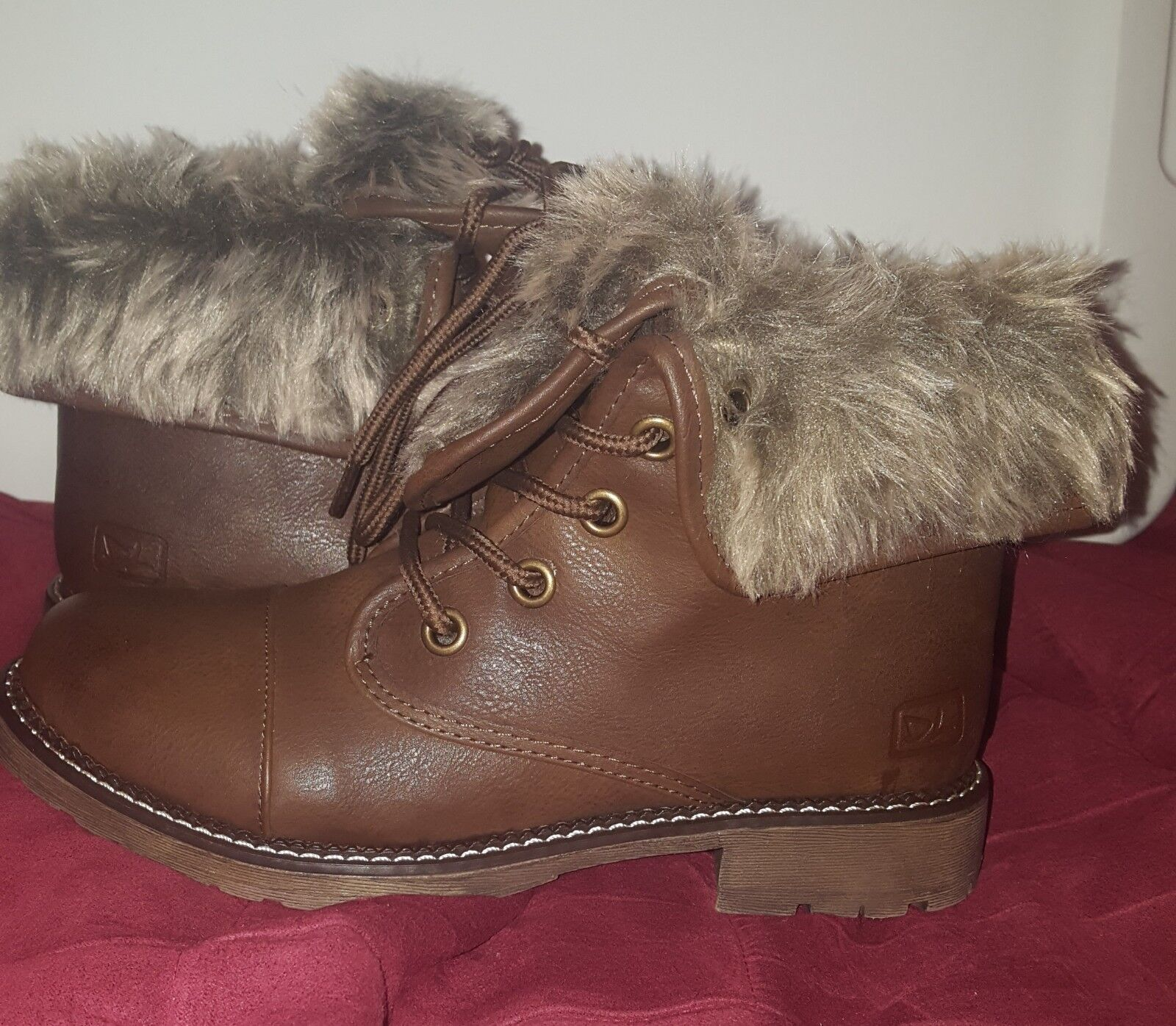 Dirty Laundry Brown boots fur lined, Brand new, size 6
