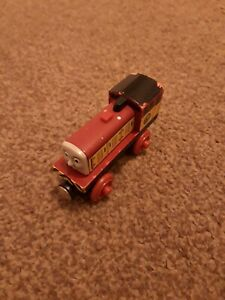 WOODEN-THOMAS-AND-FRIENDS-DART-PREOWNED
