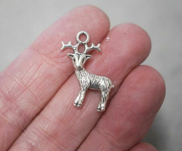 10 20 or 50 Antique Silver Tibetan 24mm Reindeer Stag Christmas Charm Pendant