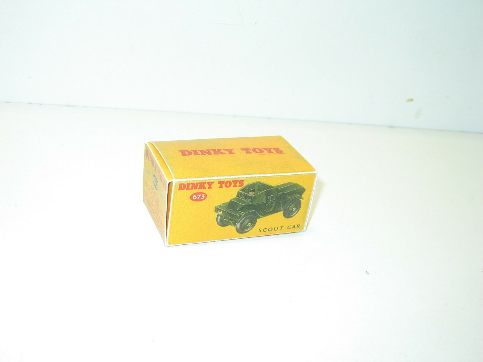 N61, BOX military SCOUT CAR, WITH driver, dinky repro ref 673