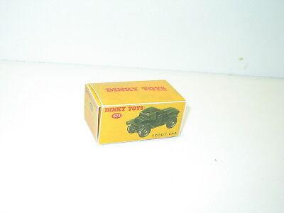 dinky repro ref 673 AVEC chauffeur BOITE militaire SCOUT CAR n61