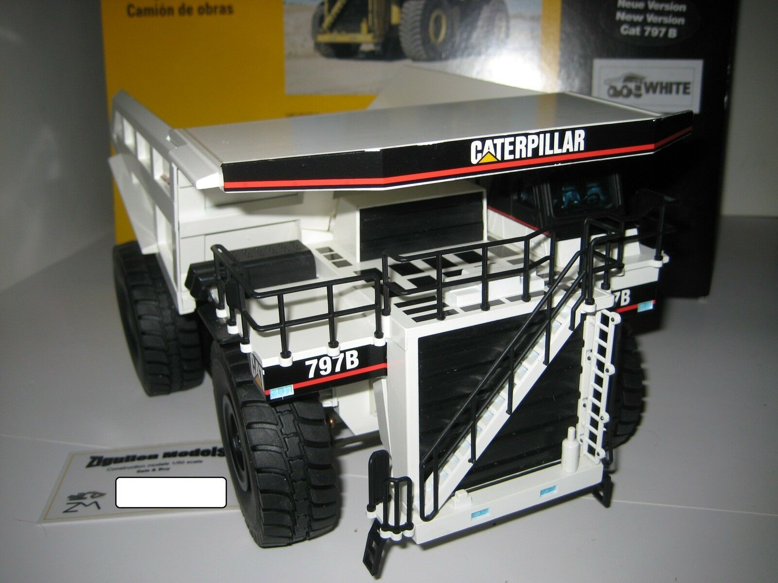 Caterpillar 797 B benne BIANCO #519.2 NZG 1:50 OVP