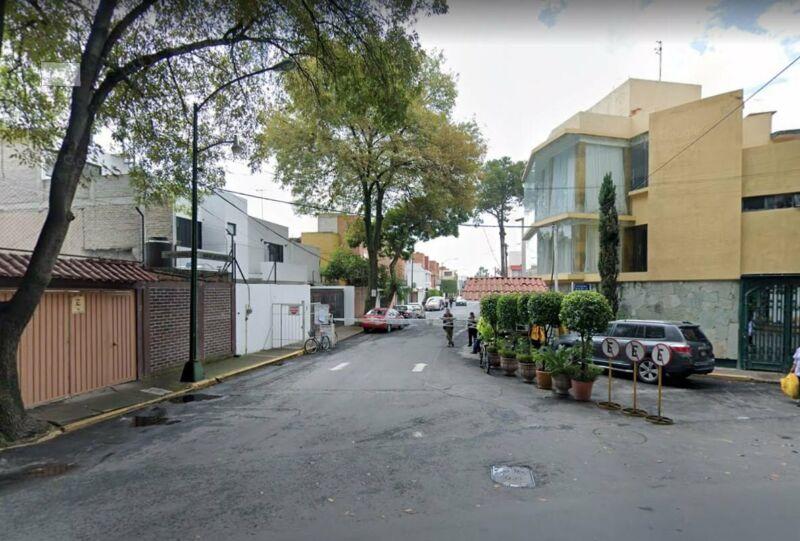 EXCELENTE CASA DE RECUPERACION BANCARIA EN COYOACAN