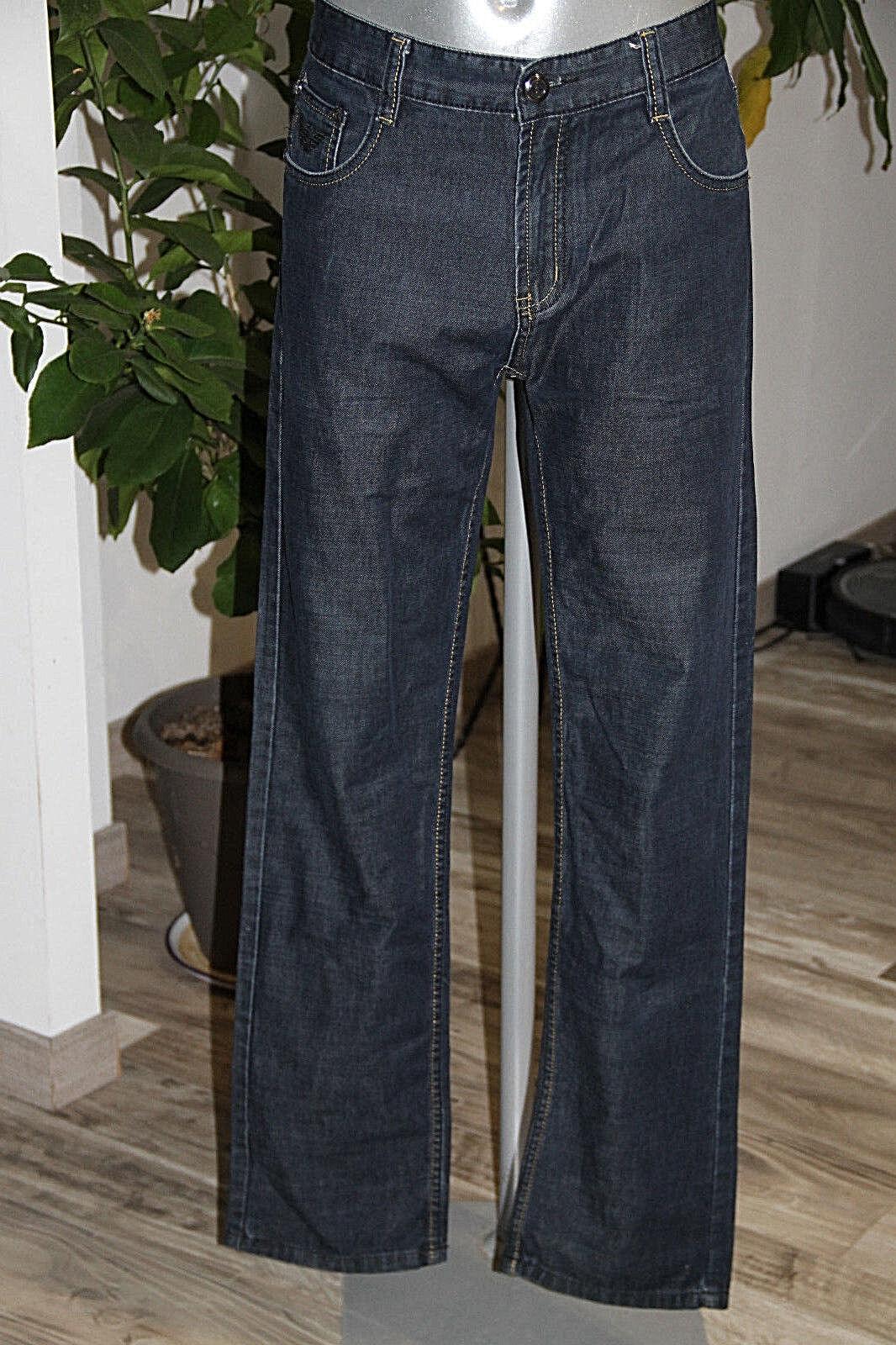 Bonito jeans recto brut ARMANI size W34 equivale a 44 fr en excelente estado