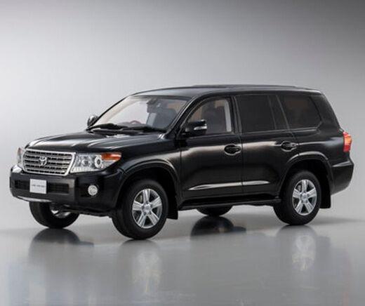 Toyota Land Cruiser AX G Selection nero 1 18 Kyosho KSR18008BK